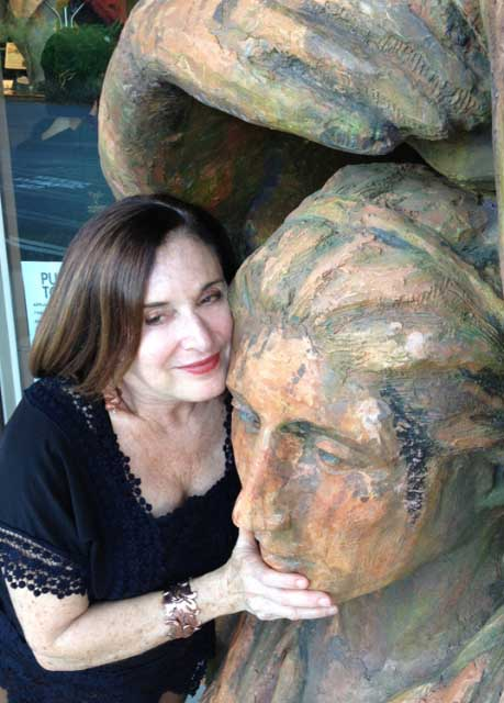 janet yelner with statue